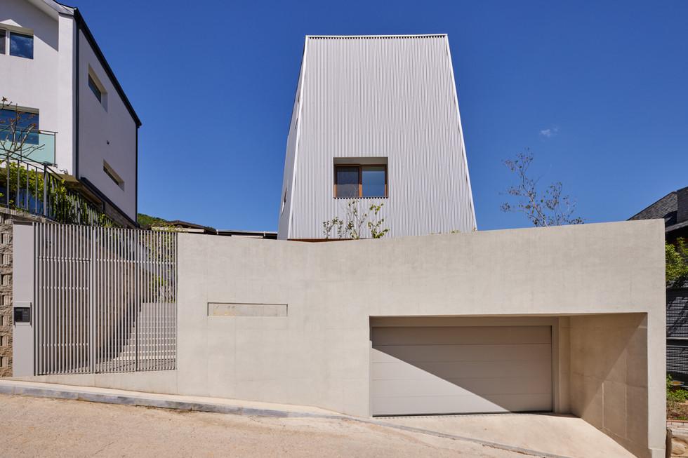 묘각형주택 (2020)