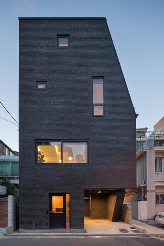 효창동 첫 집 (2016)