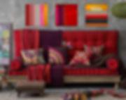 divano-in-tessutof-rosso-in-stile-etnico