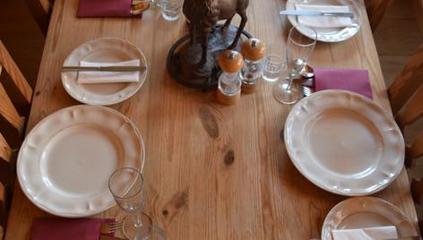 Dining room-1000.jpg