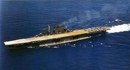 USS_Saratoga_(CV-3)_underway,_circa_in_1
