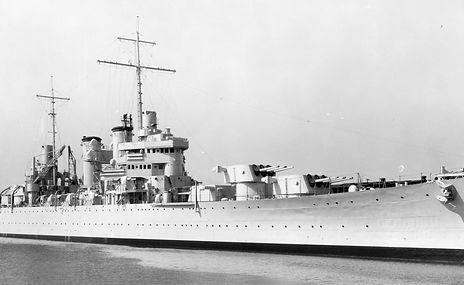 USS%20Phoenix%20-%20Broadside%20View%20P
