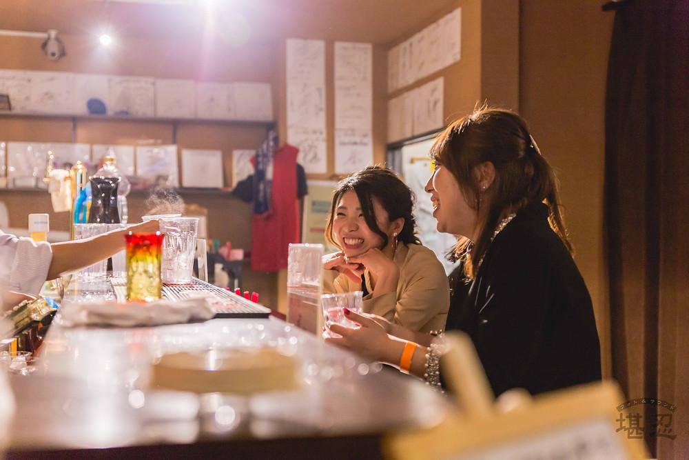 沖縄-結婚式二次会写真-Diningbar LINE-ガールズトーク