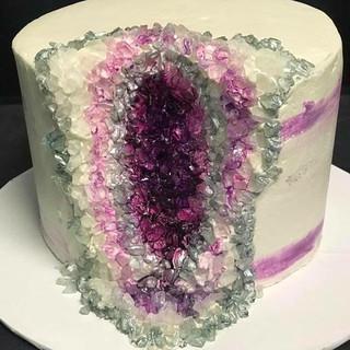 Amethysis Geo Cake