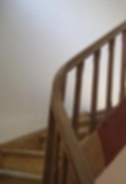 decapage professionnel par aerogommage d'escalier en bois Sarthe La chartre
