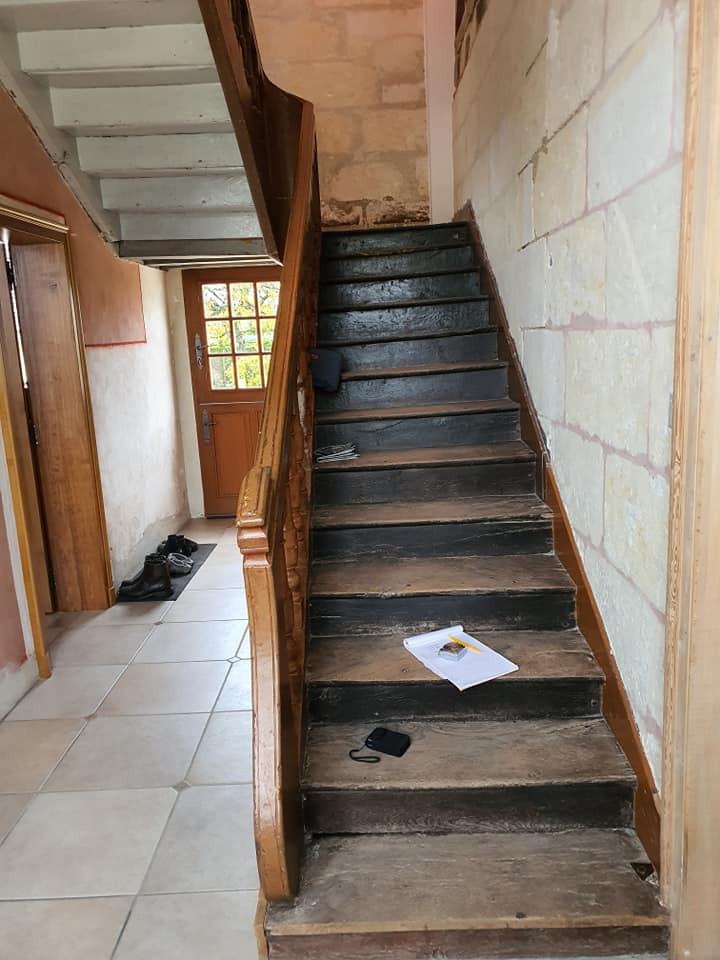 décapage_escalier_avant_-_Copie.jpg