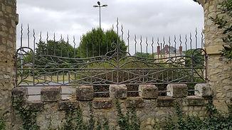 Decapage par aerogommage professionnel de grilles et portails a Ruille dans le Sud sarthe