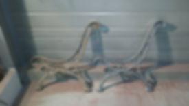 Décapage professionnel par aérogommage de pieds de bancs en fonte, Aer'hope, 72,37,41