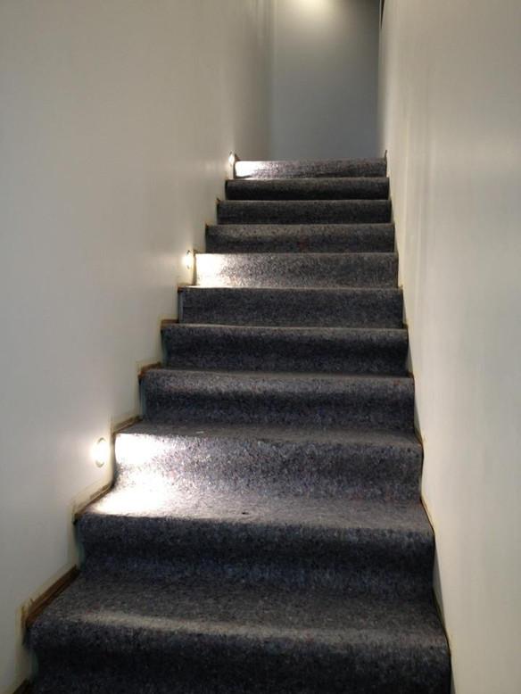 éclairage escalier par spots led