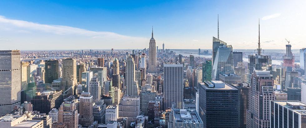 panoramic-photo-new-york-city-skyline-manhattan-downtown-empire-state-building-skyscrapers