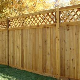 lattice-top-cedar-wood-fence.jpg