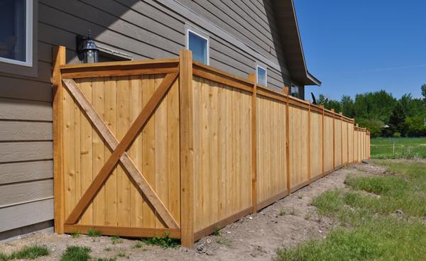 Cedar-barn-door-fence-gate.jpg
