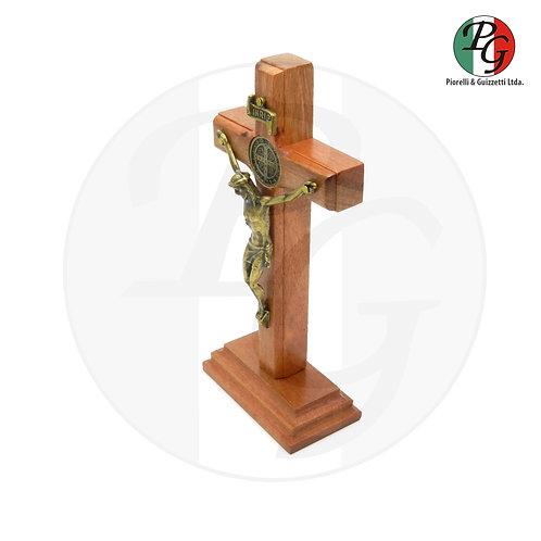 Crucifixo de madeira com base