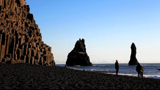 "La plage de Reynisfjara qui a servi de décor à la série ""Game of Thrones"".jpg"