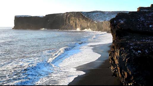Les falaises de Dyrhólaey.jpg