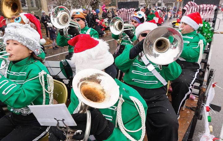 Optimists Alumni (Guelph, Santa Claus Parade, 2017)