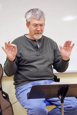 Dave MacKinnon conducting (2008)