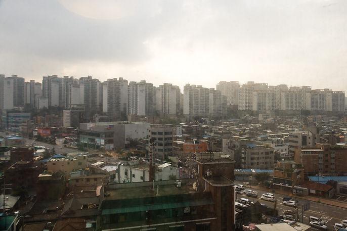 Seoul in the early morning (Seoul, South Korea, 2017)