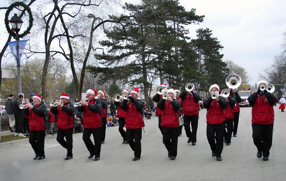 Prime Time Brass (Oakville Santa Parade, 2009)