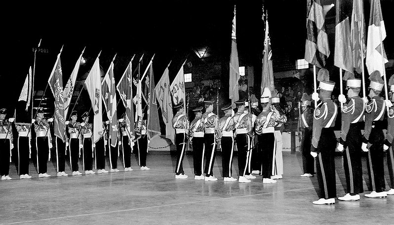 Toronto Optimists Guard wearing flat-top hats and a few guys from Skyliners (St Catharines, 1963)