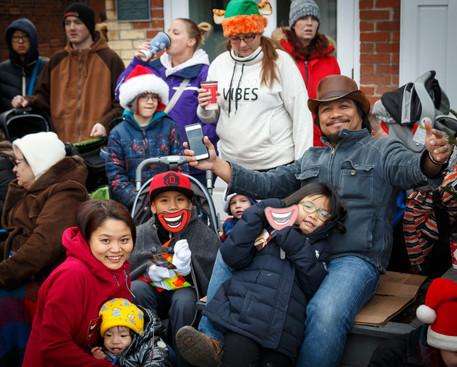 Waiting for Santa (Mississauga Santa Claus Parade, 2015)