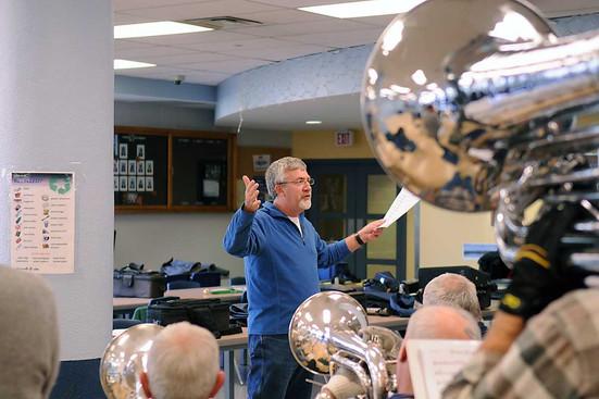 Dave MacKinnon conducting a rehearsal (2008)