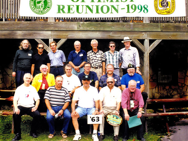Back row L to R: Paul Thompson, Ron Kaiser, Vic Kruklis, ?, Ross Cation, Mike Thys, Frans Rood Middle row L to R: Bernie Thompson, Archie Van Dyk, Dave Johns, Mark Wicken, Gary Corbett Front row L to R: Bob Carell, Rick Shearer, Joe Gianna, Barry Bell, Don Daber  Photo by Frans Rood