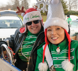Liz and Soo, Optimists Alumni (Aurora Santa Parade, 2019)