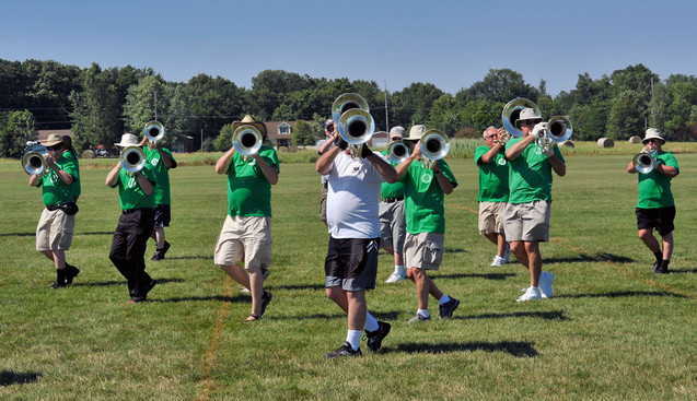 Optimists Alumni Rehearsing (Michigan City, 2010)