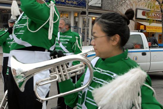Kimiko Yamada & Vern Johansson, Optimists Alumni  (Oakville Santa parade, 2009)