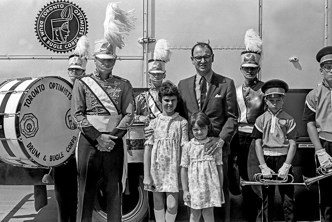Is that Norm Kennedy and his daughters?  Photo by Don Daber