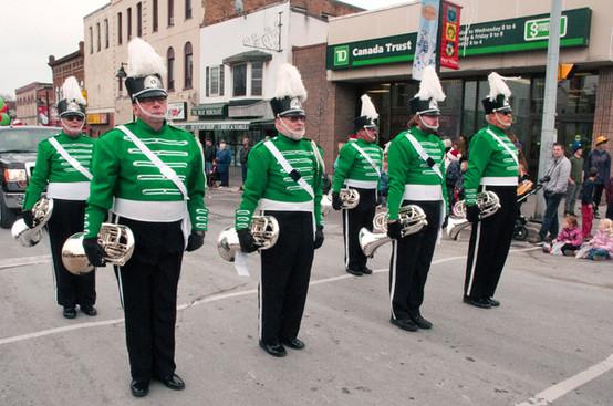 Optimists Alumni baritones (Uxbridge Santa parade, 2011)