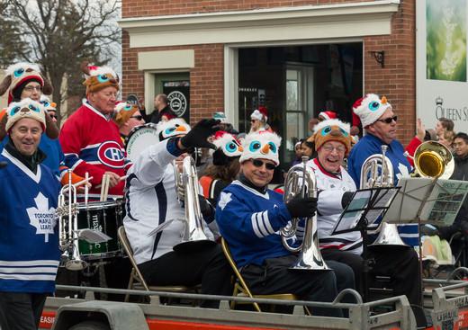 Optimists Alumni (Mississauga Santa Claus Parade, 2015)