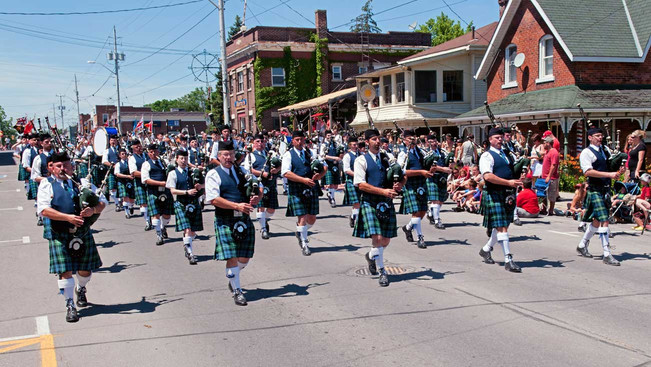 Paris / Port Dover Pipe Band (Port Dover, 2011)