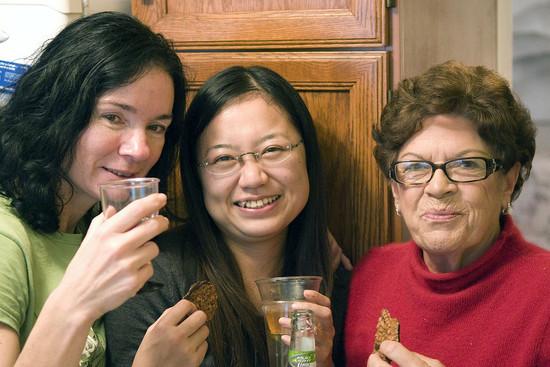 Karen Bosworth, Kimiko Yamada and Pat Bell (Brian Adams, 2009)