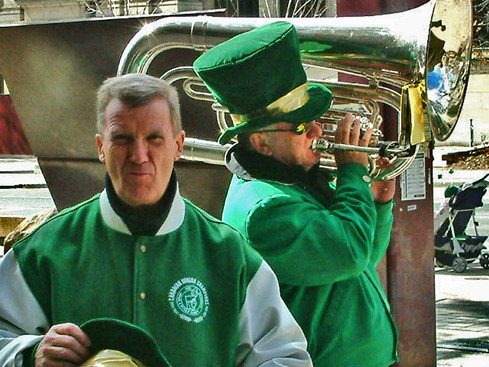 Mel Dey responding to Ted Wilson's bad note (St Pat's Parade, 2006)