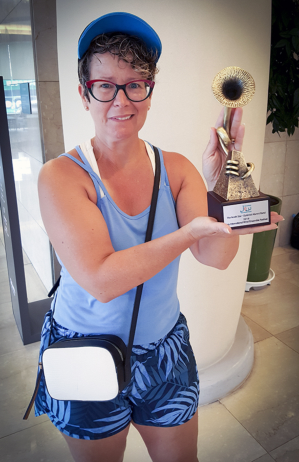 Yvette Byrne-Menard with an award (Jeju, 2019)