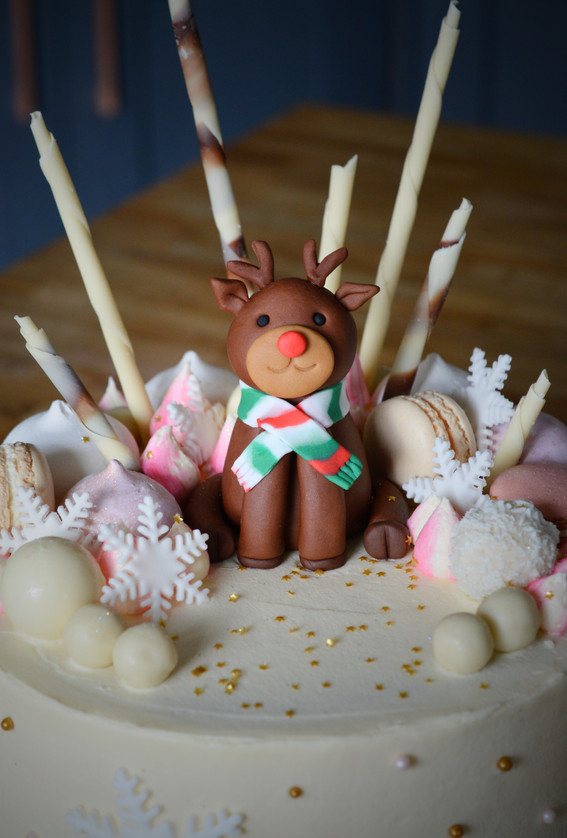 Reindeer Christmas Cake | Kingfisher Bakery, Staverton, Wiltshire, UK