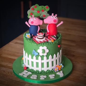 Peppa Pig Birthday Cake | Kingfisher Bakery, Wiltshire, UK
