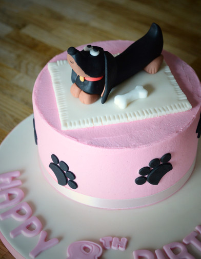 Daschund Cake | Kingfisher Bakery, Wiltshire, UK
