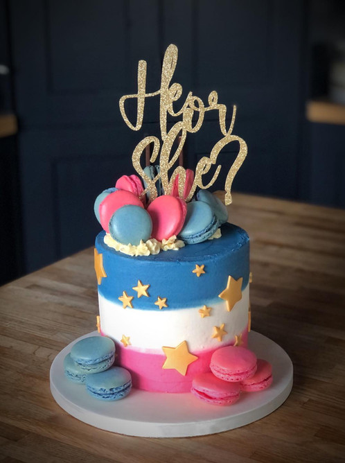 Gender Reveal Cake | Kingfisher Bakery, Wiltshire, UK