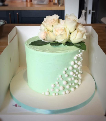 Pearl Wedding Anniversary Cake | Kingfisher Bakery, Wiltshire, UK