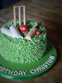 Mini Cricket Birthday Cake | Kingfisher Bakery, Wiltshire, UK