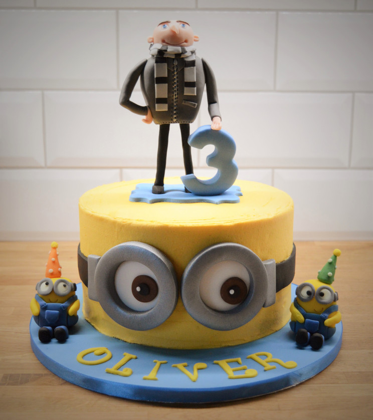 Minions Birthday Cake | Kingfisher Bakery, Wiltshire, UK