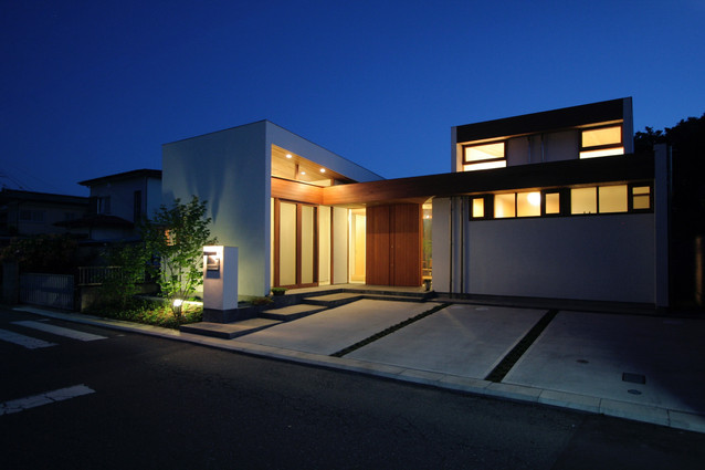 ギャラリーのある家夜景.jpg