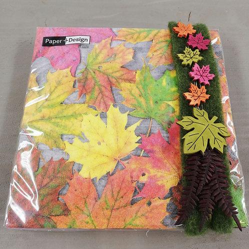 Serviette Herbstblätter dekoriert