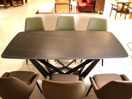 Bộ bàn ăn sang trọng hiện đại