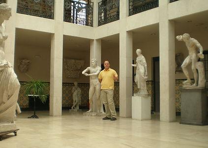 Salón central Academia Arauco