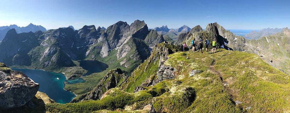10 Workshop group hiking.JPG
