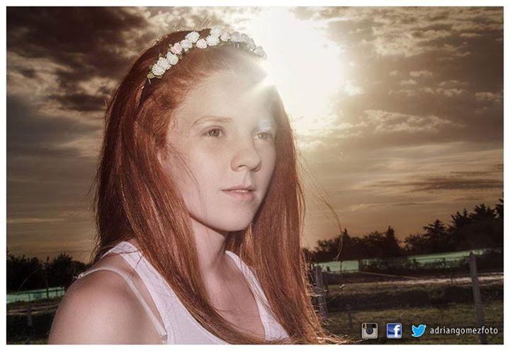 Facebook - Modelo: Flo Medina PH: Adrián Gómez - Estudio Fotográfico